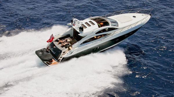 Sunseeker Predator 62 Current vessel underway