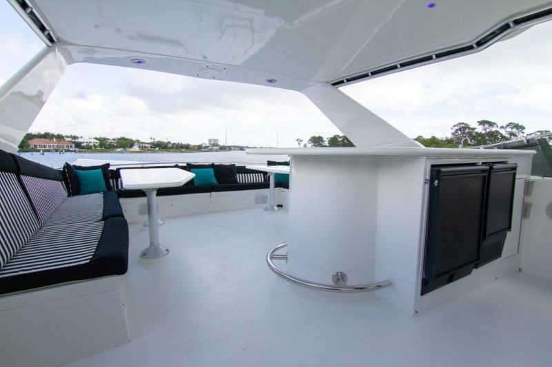 1996 Hatteras Cockpit Motoryacht - Bridge Deck