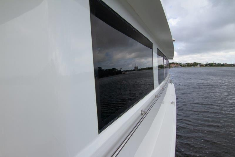 1996 Hatteras Cockpit Motoryacht - Frameless Windows
