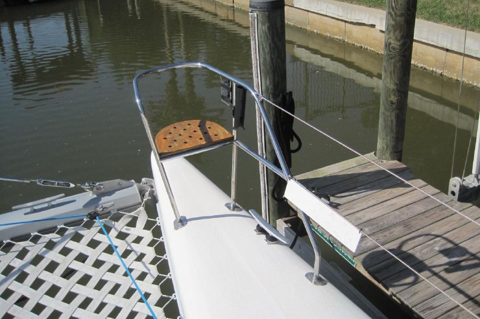 2005 Voyage Yachts 500 Owner's Version - Stbd bow seat