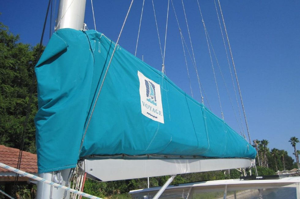 2005 Voyage Yachts 500 Owner's Version - Mainsail w/mack pack