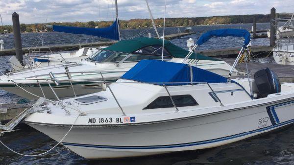 Wellcraft Coastal 210