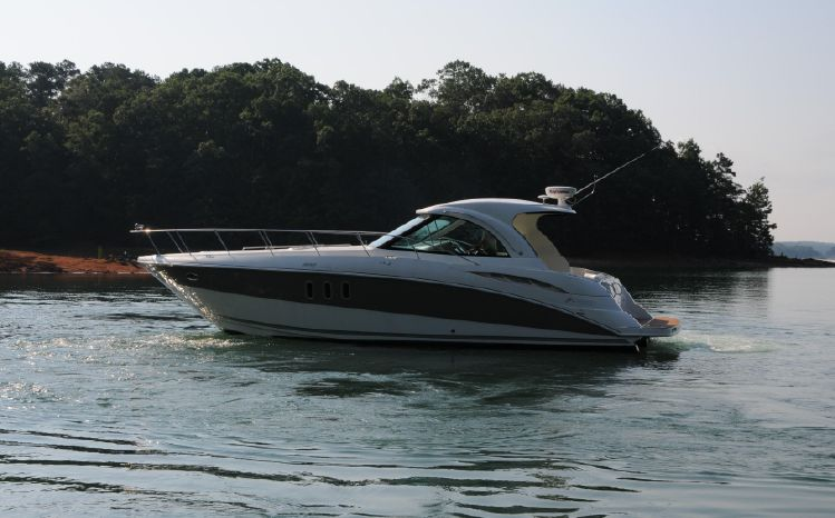 2007 Cruisers Yachts