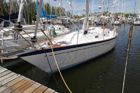 1984 Morgan 384 Sloop