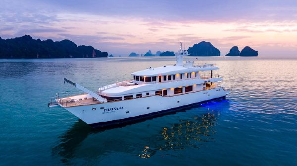 Silkline International Incat Crowther 37M Power Catamaran Silkline International Custom Power Catamaran