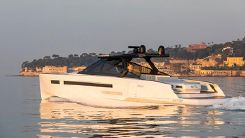 2020 Evo Yachts R6