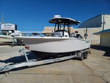 2020 Sea Pro 239 Center Console