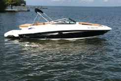 2015 Sea Ray 240 SUN DECK
