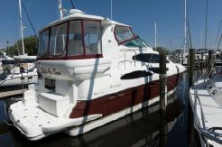 2004 Cruisers Yachts 405 Express Motoryacht