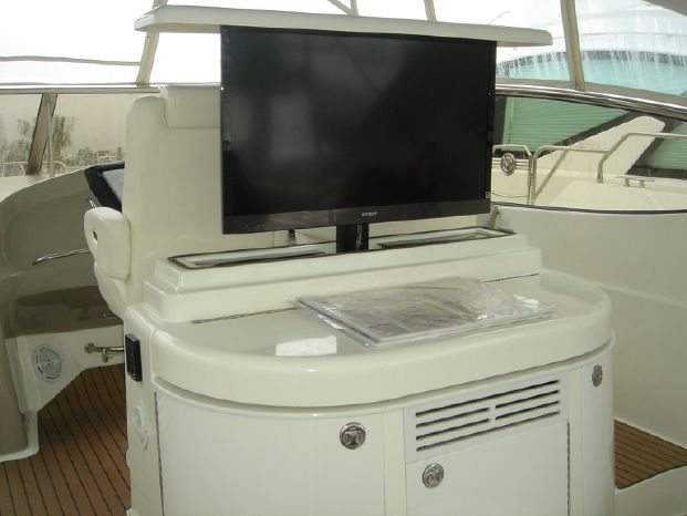 2003 Cruisers Yachts Purchase Connecticut