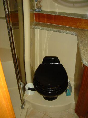 2003 Cruisers Yachts Sell Massachusetts