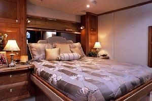 2003 Cruisers Yachts For Sale New England