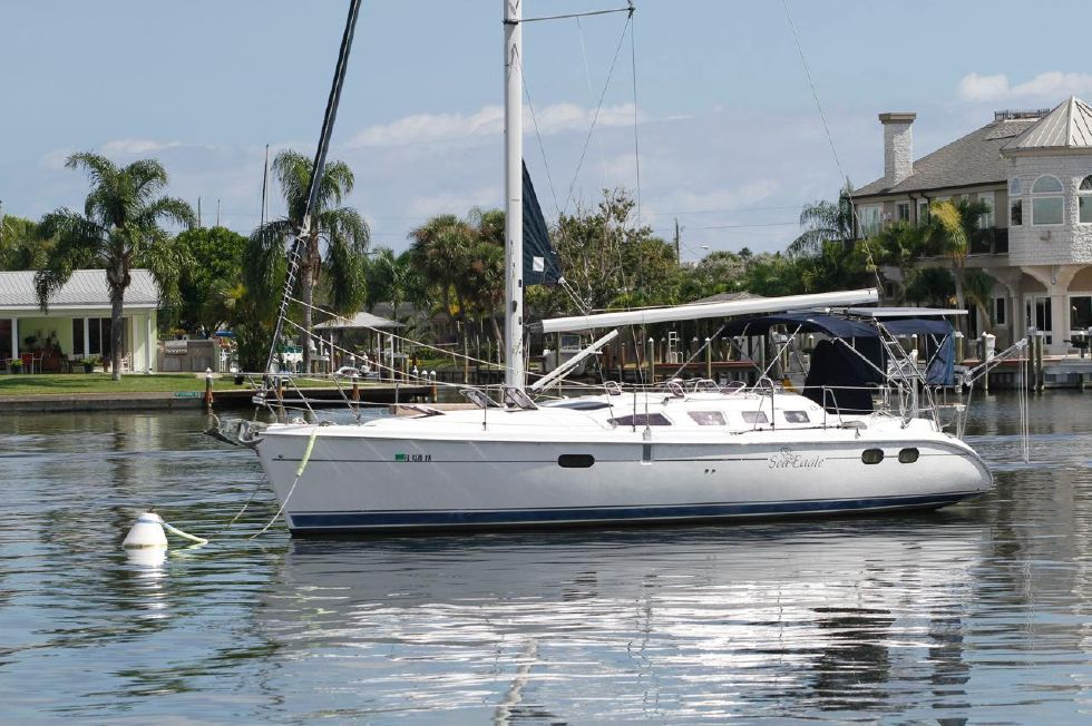 2004 Hunter 386 shoal draft 38 Boats for Sale - Edwards Yacht Sales