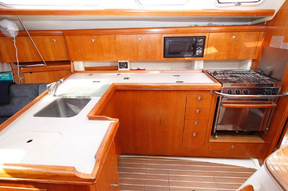 Hunter 386 Galley