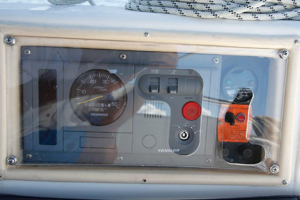 Hunter 386 Yanmar New Panel