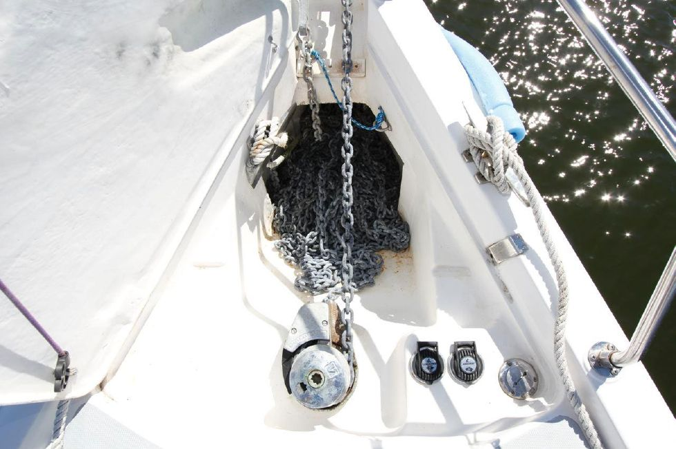 Hunter 386 Windlass