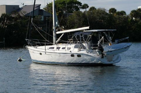 2004 Hunter 386 shoal draft