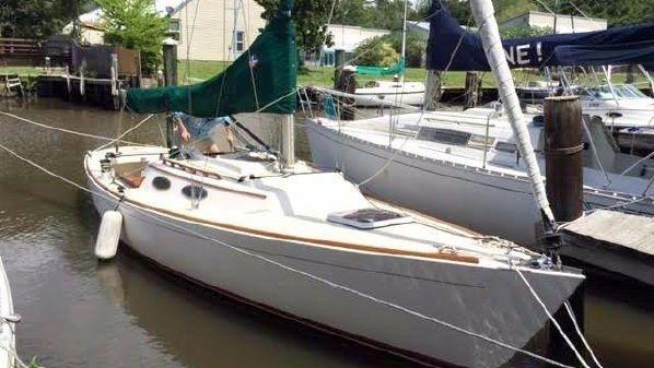 Alerion Express 28 One Owner Boat
