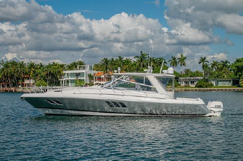 2018 Intrepid 475 Sport Yacht