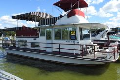 1973 Gibson House Boat with Bridge