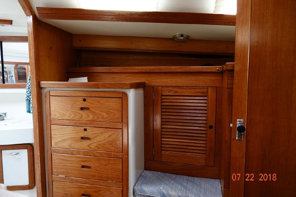 1992 Catalina 42 ft 3 Cabin Sloop