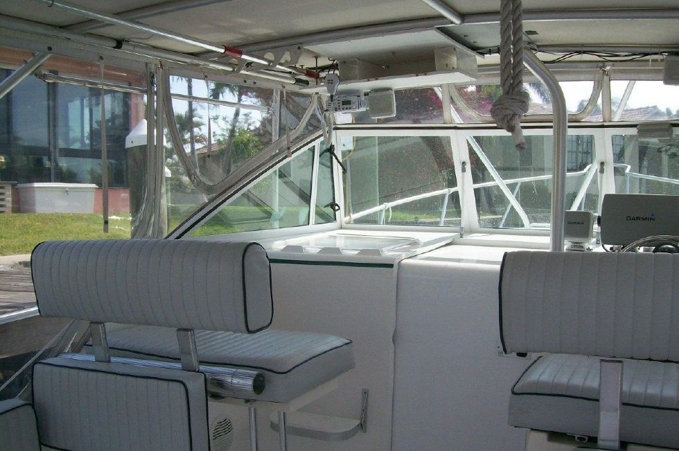 2002 Mainship Pilot 30 Sedan Custom Hard Top