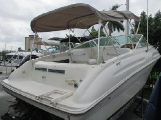 2000 Sea Ray 215 Cuddy