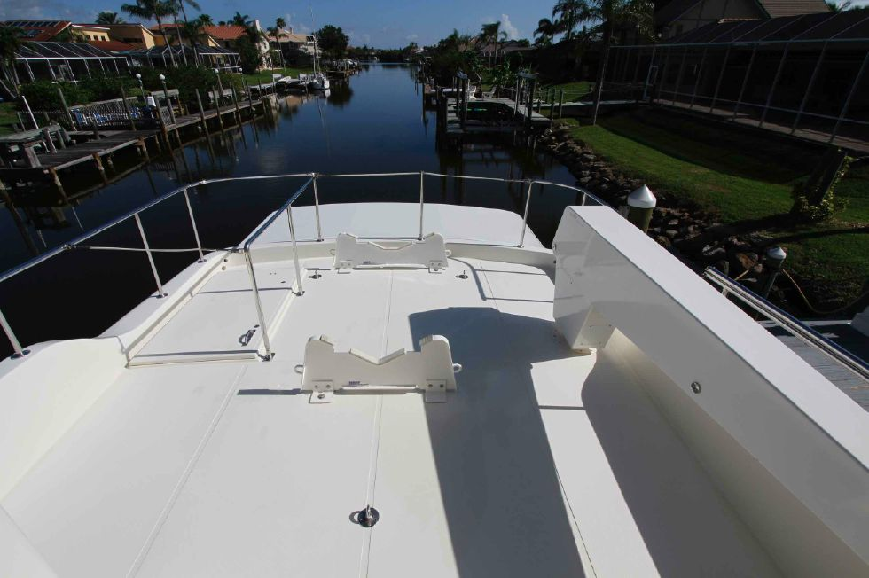 Hampton 558 Pilothouse Upper Deck