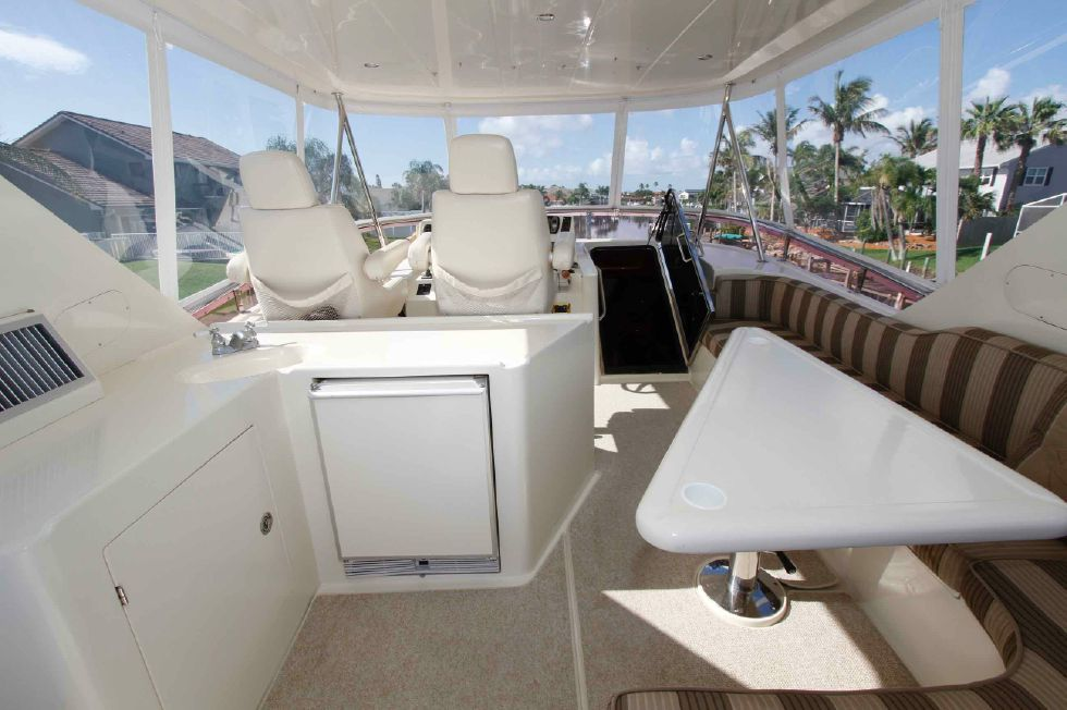 Hampton 558 Pilothouse Sky Lounge Fridge