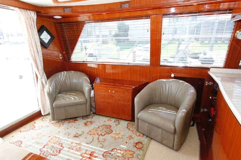 Hampton 558 Pilothouse Single Seats Portside