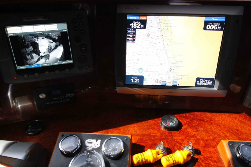 Hampton 558 Pilothouse Camera Engine Room 'n GPS
