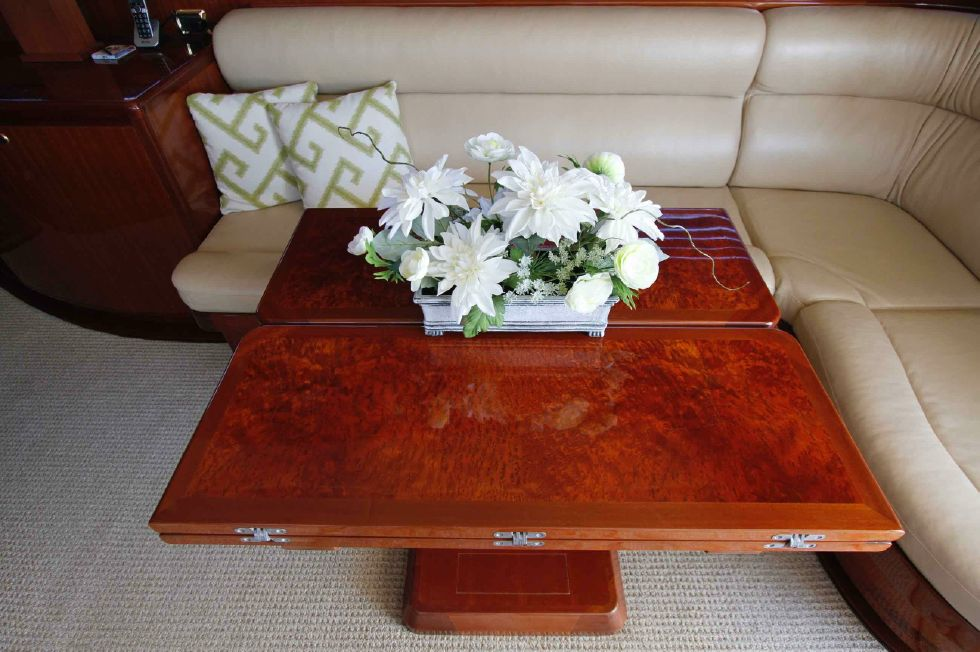 Hampton 558 Pilothouse Table