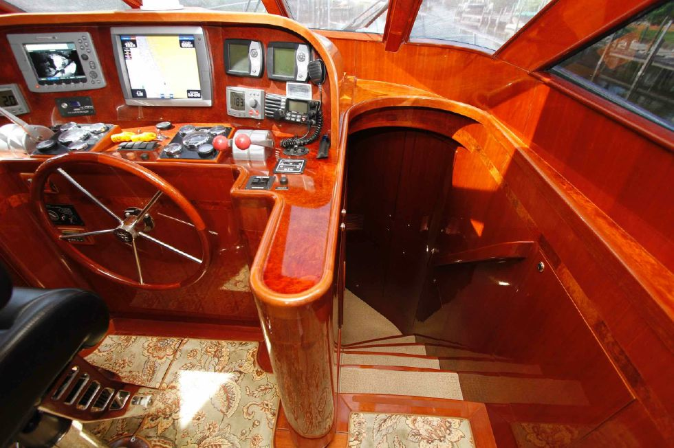 Hampton 558 Pilothouse Entry to Berths