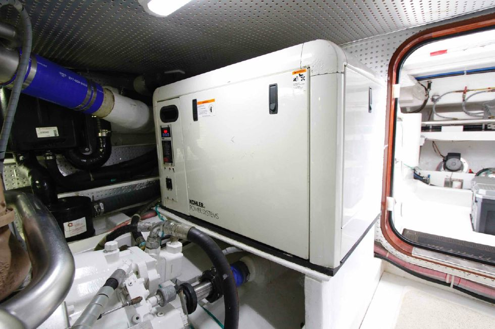 Hampton 558 Pilothouse Genset