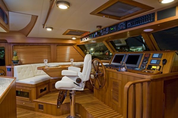 Pilothouse to Port (before second STIDD)