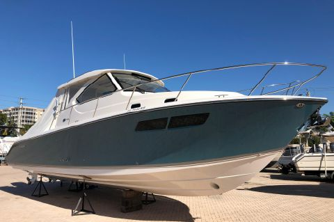 2016 Pursuit 355 Offshore