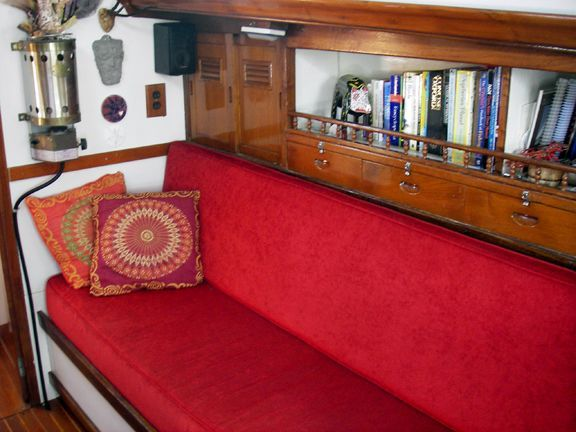 1970 Cheoy Lee Clipper 42 - Stbd side settee and storage