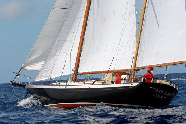 1970 Cheoy Lee Clipper 42 - Beautiful stern quarter view