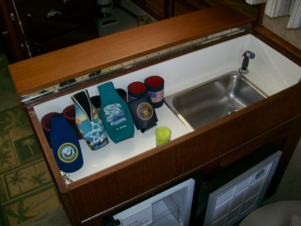 1979 Viking Motor Yacht EXTRA CLEAN!!! - Wet Bar