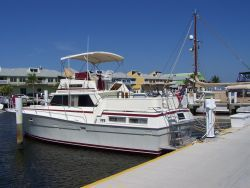1979 Viking Motor Yacht EXTRA CLEAN!!! - At Dock