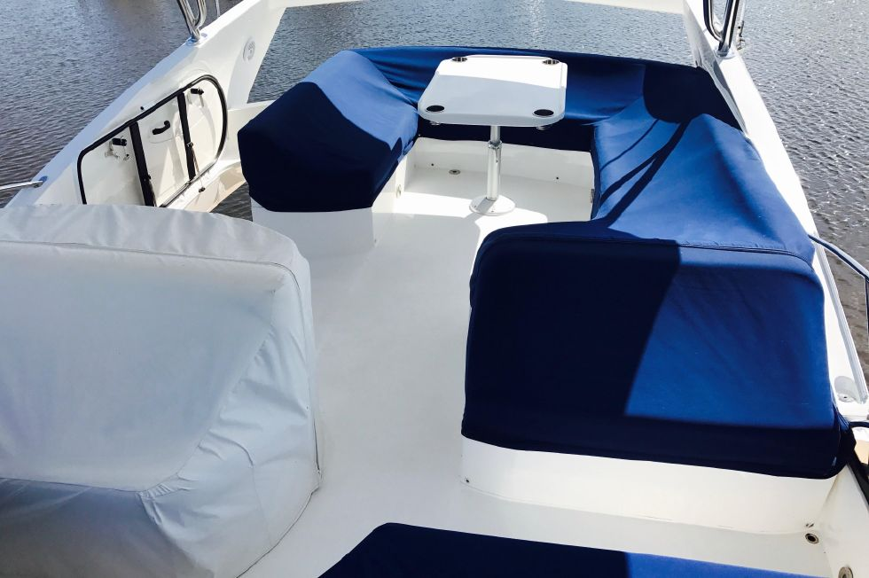 2011 Sunseeker Manhattan 60 - Flybridge Area Looking Aft - Covered