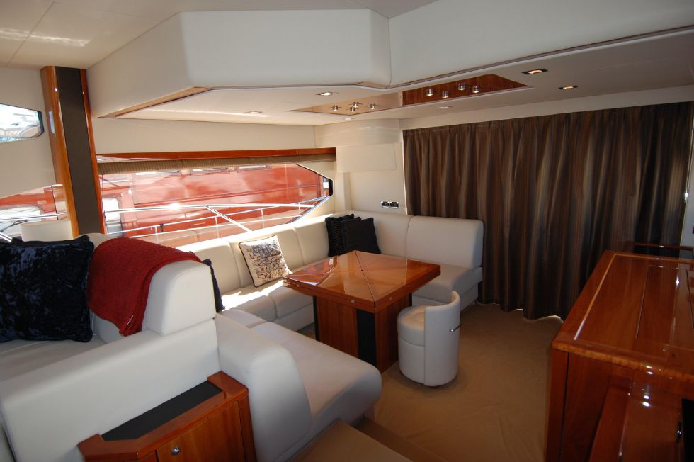 2011 Sunseeker Manhattan 60 - Main Salon