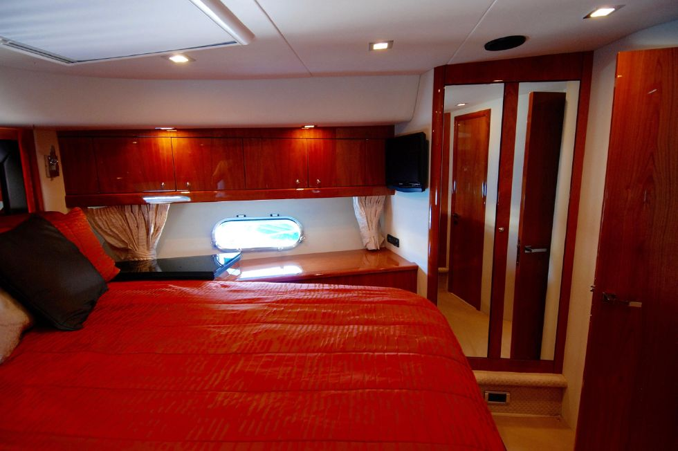 2011 Sunseeker Manhattan 60 - VIP Stateroom Starboard Side