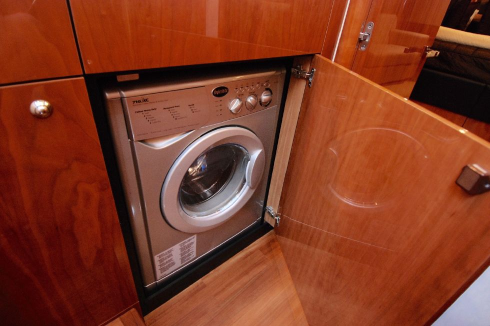 2011 Sunseeker Manhattan 60 - Washing Machine / Dryer