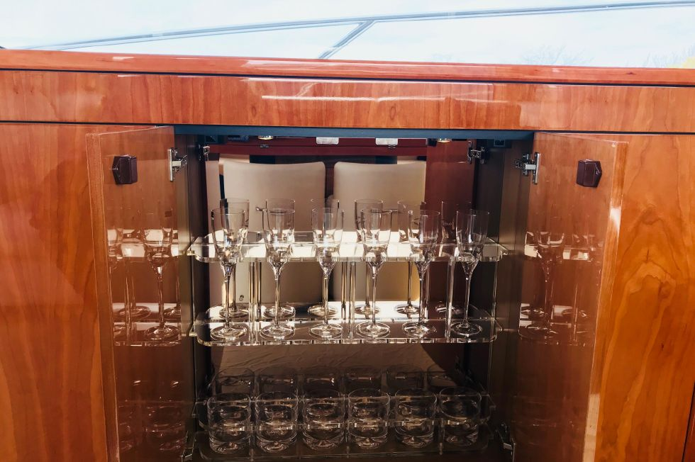 2011 Sunseeker Manhattan 60 - Custom Sunseeker Glass Stemware
