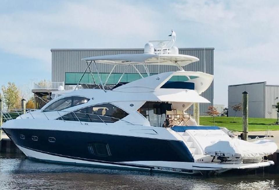 2011 Sunseeker Manhattan 60 - Exterior Port Side