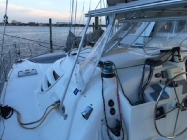 Manta 42 Mark II, Power Winch, Easy for Single Handling