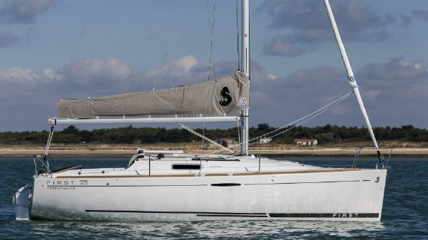Beneteau First 25 Manufacturer Provided Image