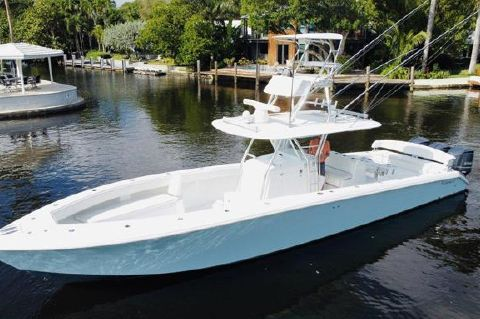 2014 Bahama 41 Custom with Gyro