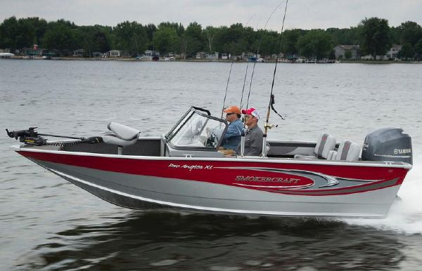 2018 Smoker Craft 182 Pro Angler XL